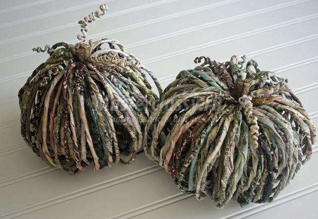 осенний декор тыквы из ниток, газет и шпагата мастер-класс