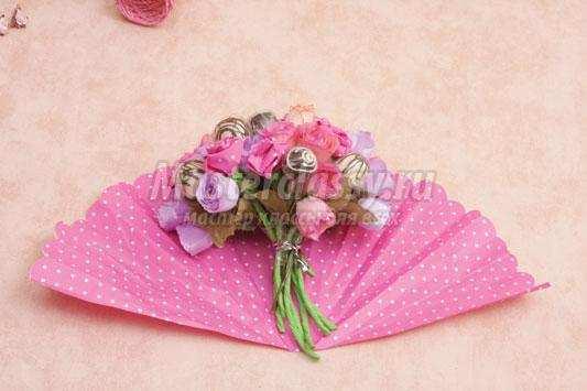 Как оформить букет из роз  пошаговое фото 182