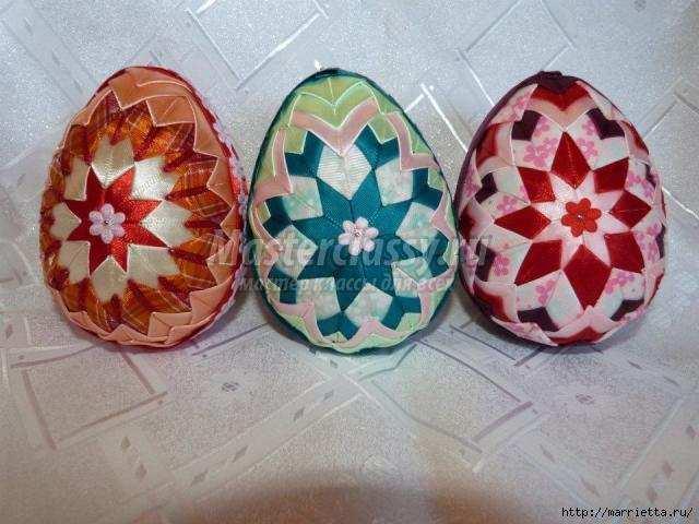 Пасхальные яйца своими руками из атласных лент фото