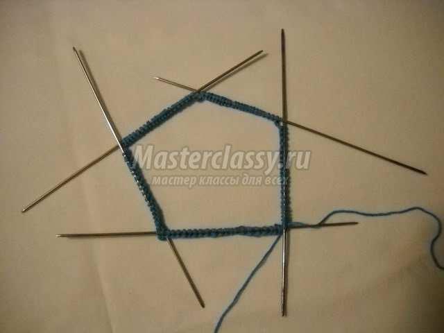 как сделать петельку при вязании спицами